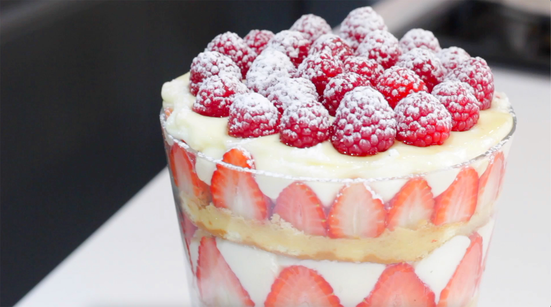 Triffle fresas y chocolate blanco