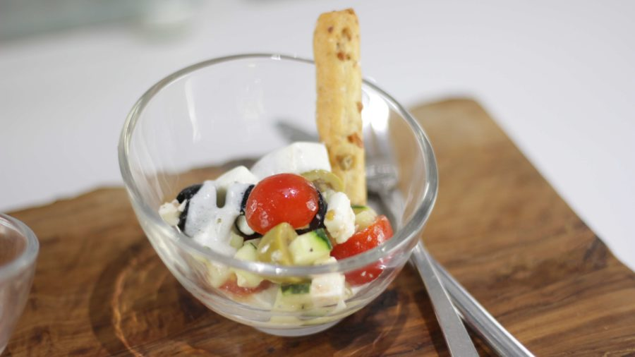 Vasitos de mini ensalada griega